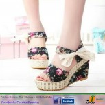 PE-SH-018 Traditional Ladies Shoes / Sandals